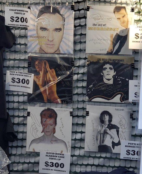 El stand que Morrissey armó para recaudar dinero